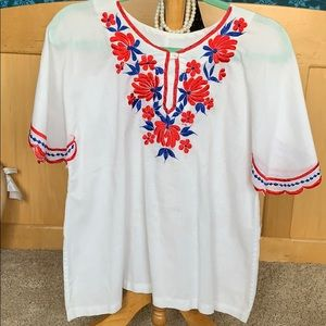 Vintage embroidered white tunic